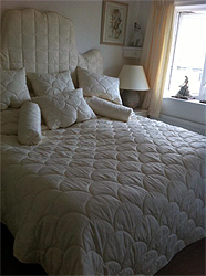 Shell Design Quilt With Cushions And Bolsters